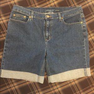 Liz Claiborne Jackie Cuffed shorts 14